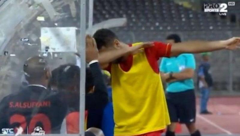 Футболиста из Саудовской Аравии могут посадить в тюрьму из-за невинного жеста
