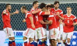 Восемь российских футболистов из сборной к ЧМ-2018 были внезапно вызваны на допинг-контроль